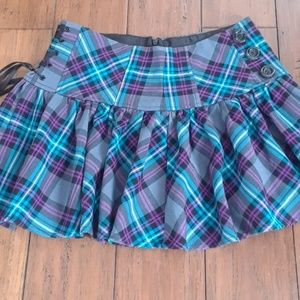 Candies purple and teal plaid skirt size 3